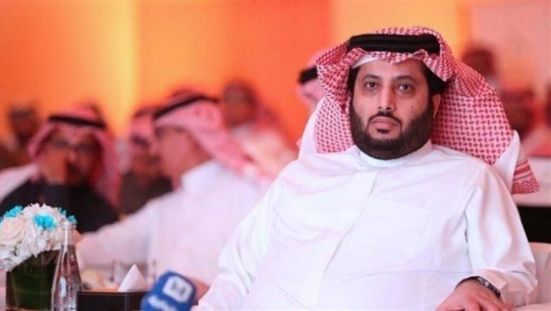 آل الشيخ يعلن استقالته من رئاسة الاتحاد العربي