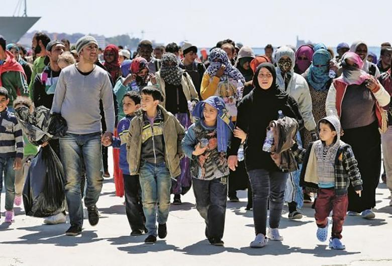 إيطاليا تطرد 3 مهاجرين من المغرب وسوريا