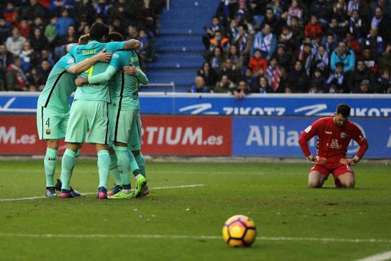 برشلونة يثأر من ألافيس بسداسية نظيفة