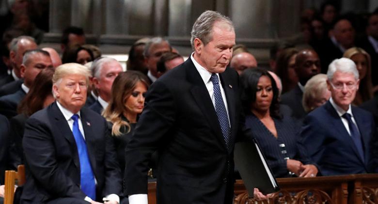 جورج بوش يكشف تفاصيل زيارته للسلطان قابوس الخريف الماضي
