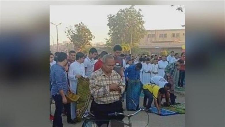 نتيجة السخرية منه.. وفاة مصري صلّى العيد على دراجته