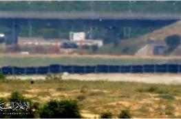 القسام ينشر لحظة استهداف وتدمير مركبة للاحتلال شرق غزة