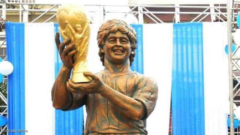 """مارادونا """"الهندي"""".. تمثال يشبه كثيرين إلا مارادونا"""