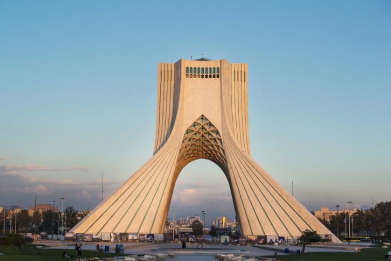 """إيران تعلن إعدام """"تمساح الخليج"""".. فمن هو وما دوره؟"""