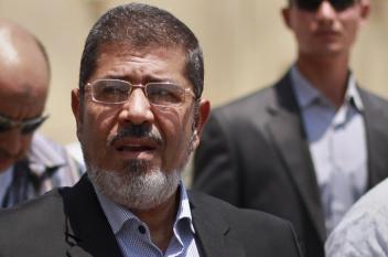 محمد مرسي.. الرئيس الذي تخلى عنه الجميع