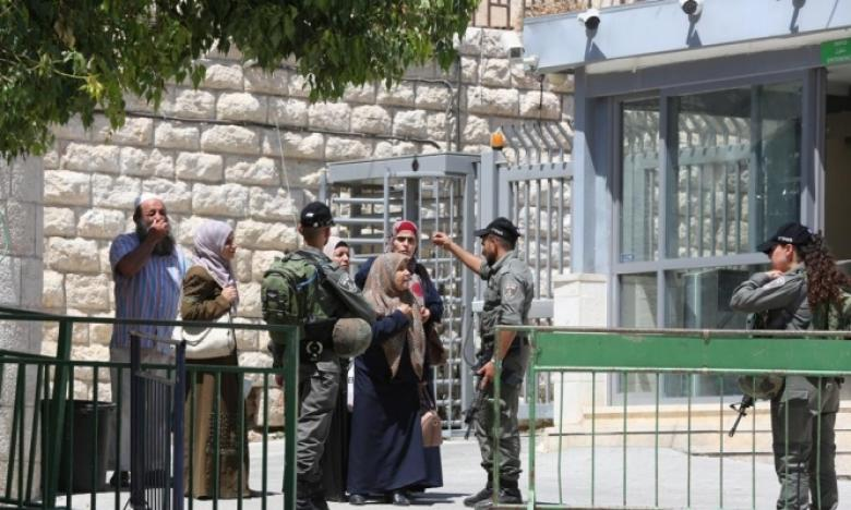 اعتقال فتاة بزعم محاولة طعن قرب المسجد الإبراهيمي
