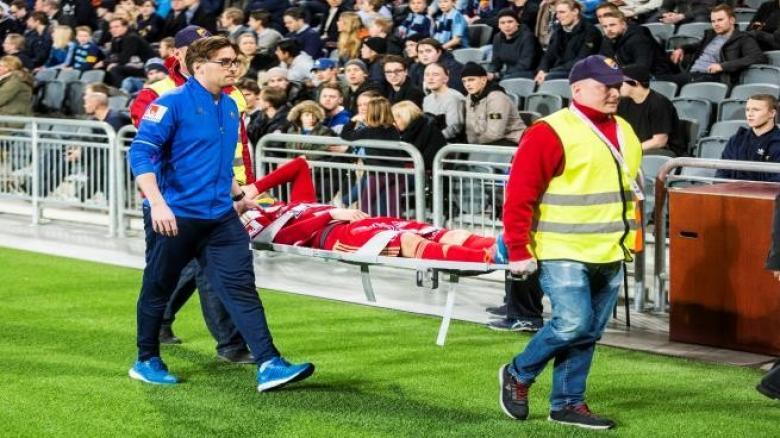 إصابة غريبة في الدوري السويدي