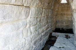 الماء ينهمر من سبيل بتركيا منذ 2700 عام