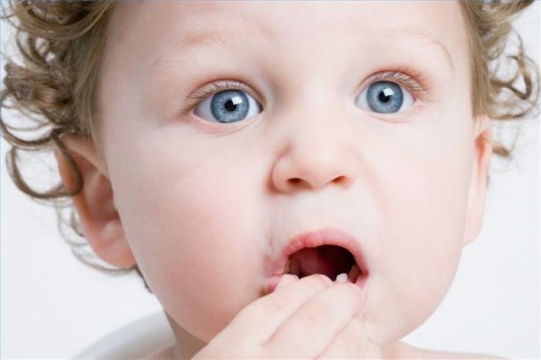 ماذا تفعل إذا ابتلع طفلك جسم غريب؟