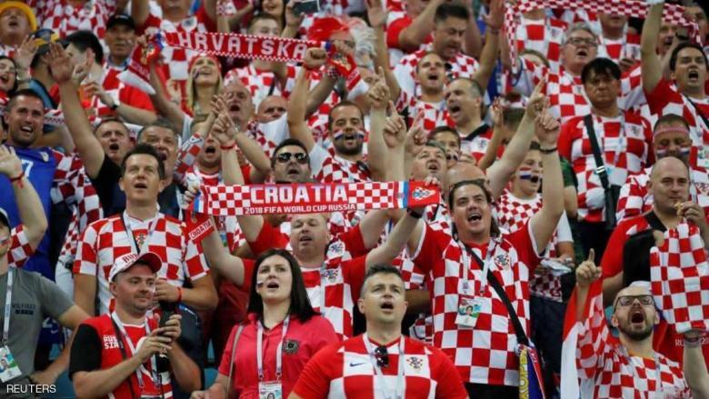 """إقبال هائل على قمصان كرواتيا ببلد """"الجار اللدود"""" للإنجليز"""