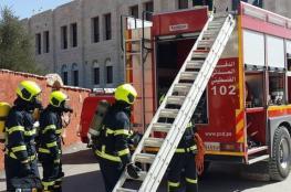 الدفاع المدني يخمد حريقاً في منزل بقرية عجول شمال رام الله