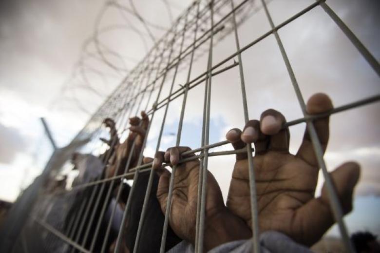 أعوام جديدة لـ 5 أسرى في سجون الاحتلال