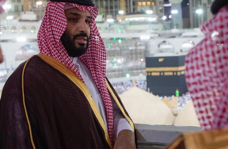 إخلاء صحن الكعبة لمحمد بن سلمان.. تجول على سطحها