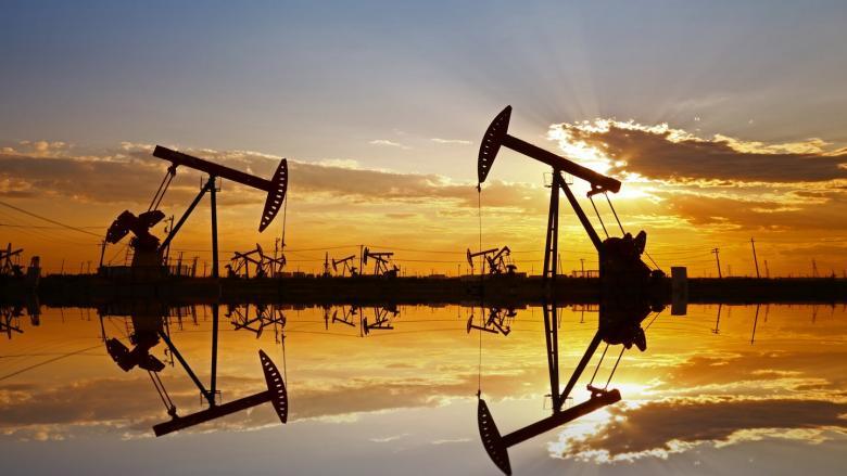 هبوط أسعار النفط من جديد وسط جو من التشاؤم