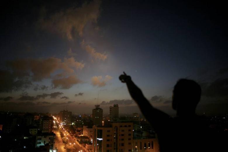 سماء فلسطين تشهد ظاهرة فلكية مثيرة