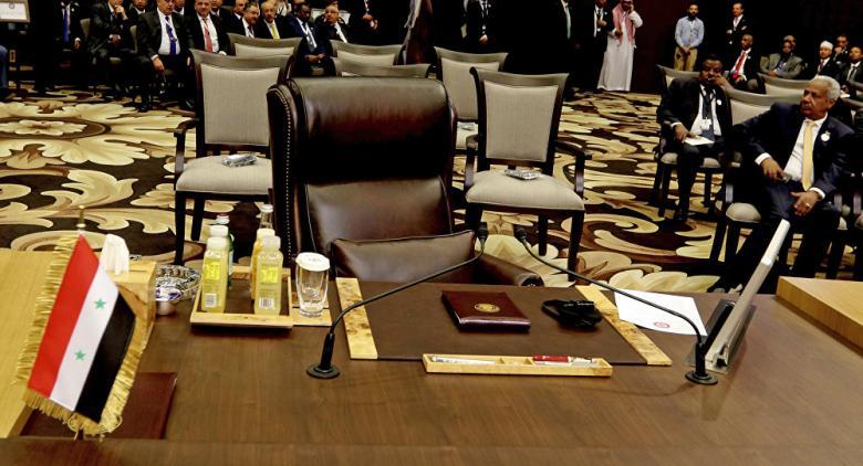 الجامعة العربية تسمح بإعادة العلاقات مع سوريا