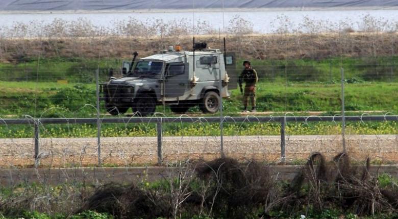 الاحتلال يعتقل شابين على حدود شرق رفح