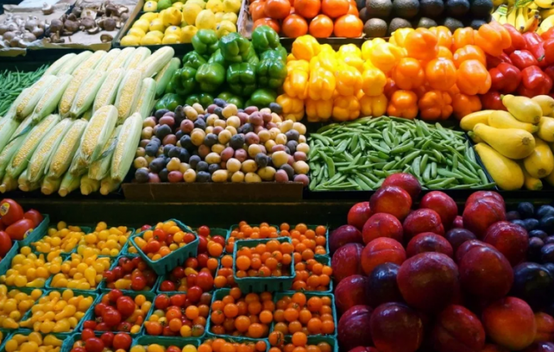 الخضار والفاكهة الإسرائيلية الملوثة بالمبيدات تغرق الأسواق المحلية