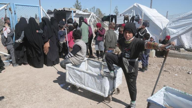الصليب الأحمر يرجح عودة 20 ألف عراقي من الباغوز السورية