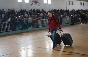 حركة المسافرين داخل صالة النجار بخان يونس