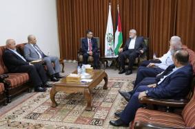 نقاش معمّق بين قيادة حماس والوفد المصري بغزة
