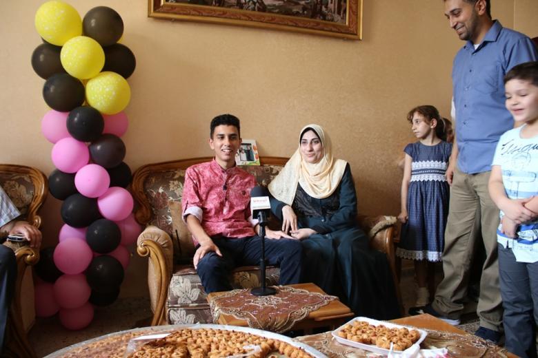 الطالب زويد تغلب على ظروف وفاة والده بالتفوق بالتوجيهي
