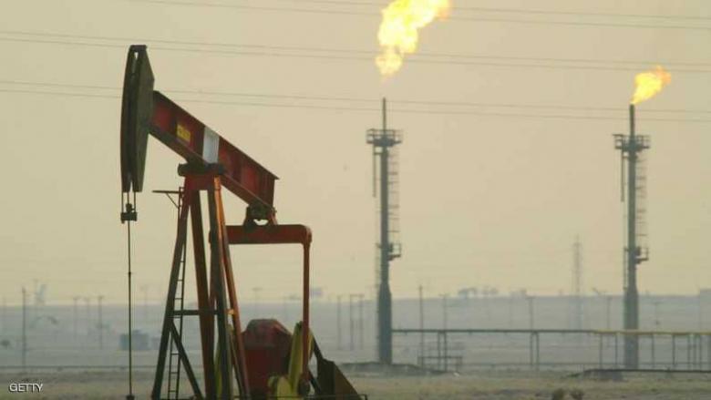 النفط يغلق على ارتفاع في ختام رابع أسبوع من المكاسب