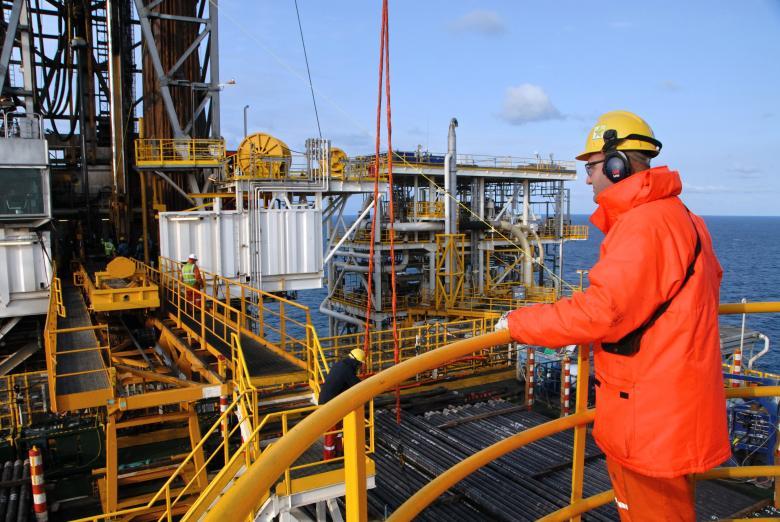 هبوط أسعار النفط مع بدء التداول بنسبة 8 في المئة