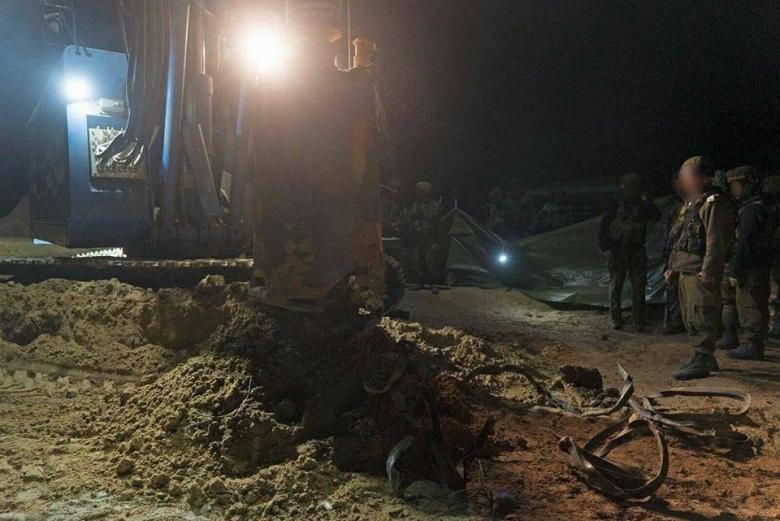 الاحتلال يدمر نفقاً للمقاومة شرق خانيونس