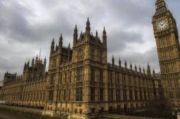 برلمانيون بريطانيون يفتحون النار على الصين: تكذب