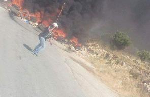 مواجهات مع الاحتلال قرب حاجز