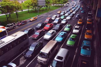 سيارات تحلق في الصّين
