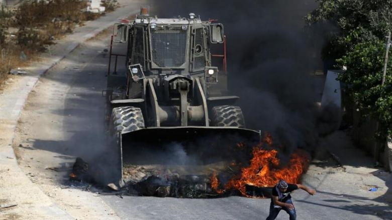 """""""هآرتس"""" تفند مزاعم جيش الاحتلال بشأن """"جرافة كفر قدوم"""""""