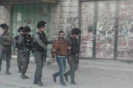 الاحتلال يعتقل شاباً قرب المسجد الإبراهيمي