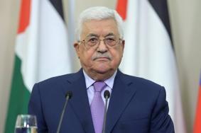عباس يعلن موقفه من المستشفى الأمريكي والمطار والجزيرة الاصطناعية بغزة