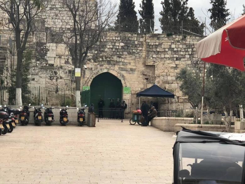 الاحتلال يغلق بوابات الأقصى
