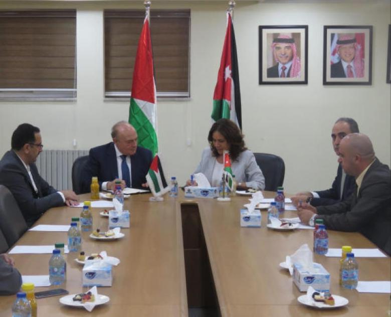اتفاق مع الأردن لتزويد السوق الفلسطينية بالمشتقات النفطية