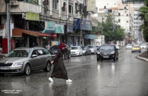الأجواء الماطرة في مدينة غزة اليوم