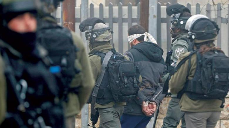 الاحتلال يعتقل 7 مواطنين بينهم فتاة من حي باب حطة بالقدس