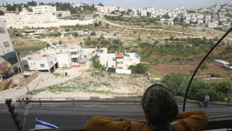 حماس: إنشاء حيّ استيطاني بالخليل سياسة ممنهجة لتهويد تاريخها