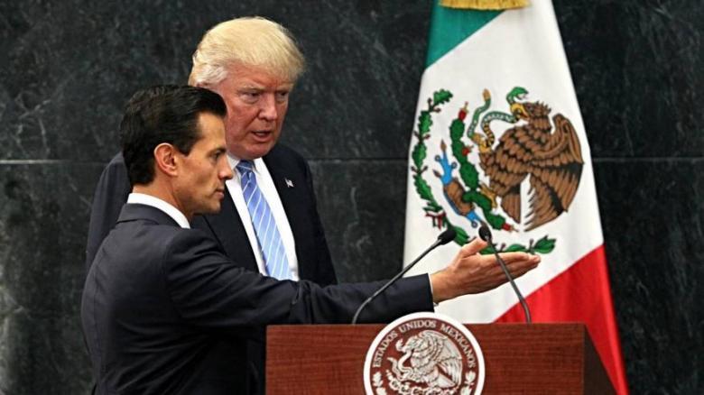 ترامب لرئيس المكسيك: هل أنت مجنون؟
