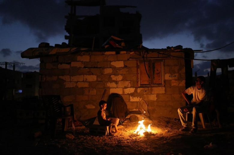 كهرباء غزة: جدول التوزيع 4 ساعات وصل مقابل 16 قطع