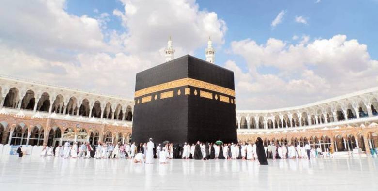 السعودية تعلق الدخول إلى المملكة لأغراض العمرة والسياحة مؤقتًا