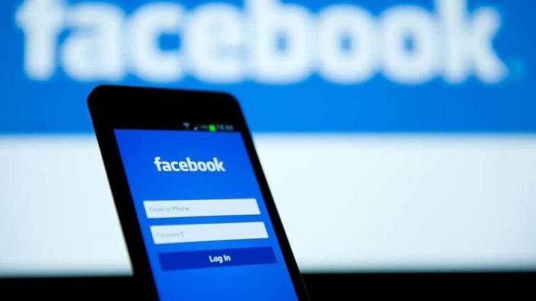 """يومياً.. 500 مليون مستخدم لـ """"facebook story"""""""