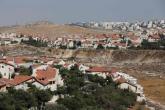 """بدء تركيب بيوت متنقلة في مستوطنة """"عميحاي"""" الجديدة على أراضي قرية جالود"""