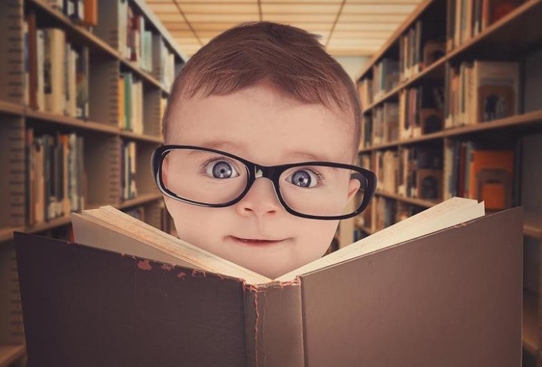 5 علامات تدل على ذكاء طفلك