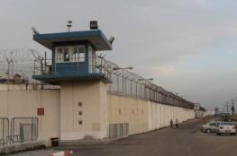 """توتر بسجن النقب الاحتلال ينقل أسيرين لـ """"جلبوع"""""""