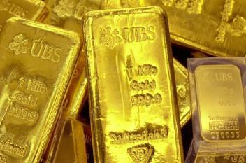 """الذهب يلامس أعلى مستوياته في شهرين بسبب """"أميركا أولا"""""""