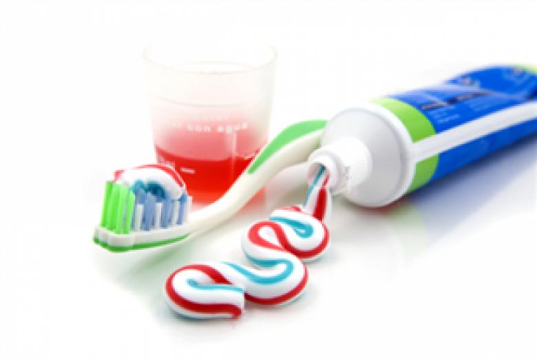 معلومات عن مخاطر معجون الأسنان