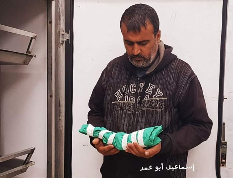 مؤثر..والد الجنين الذي أجهض واستشهد بقصف الاحتلال يروي القصة